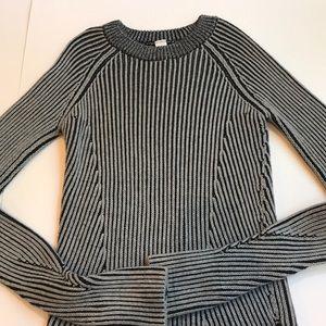 Ivivva sweater thumb holes side slits